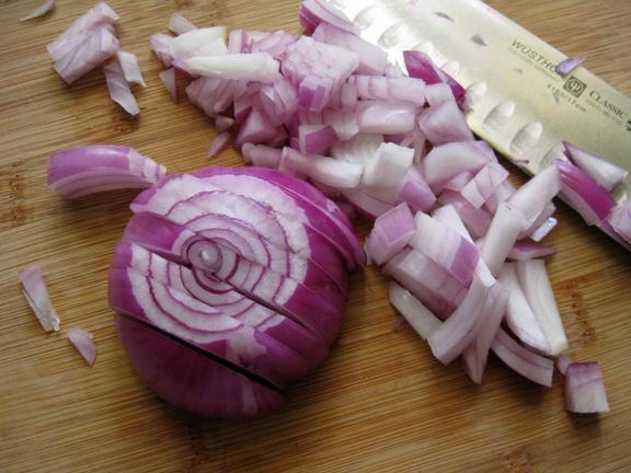 A lila hagyma univerzális táplálék!
