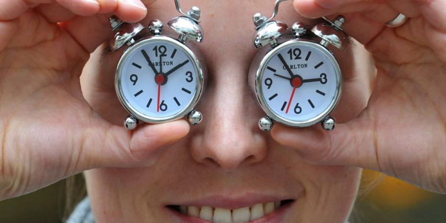 Online szavazás az óraátállításról